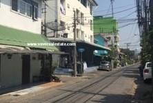For Sale 20 Beds Shophouse in Phra Khanong, Bangkok, Thailand