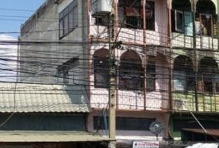 For Sale Shophouse 20 sqwa in Mueang Nonthaburi, Nonthaburi, Thailand