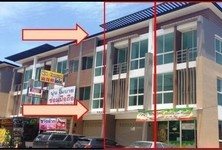 For Sale 4 Beds Shophouse in Bang Lamung, Chonburi, Thailand