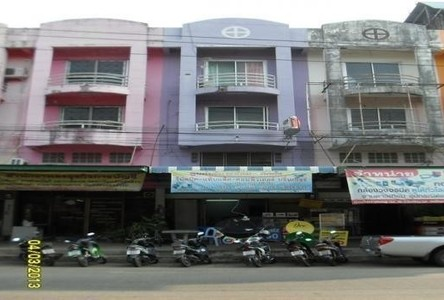 For Sale 5 Beds Shophouse in Mueang Phetchabun, Phetchabun, Thailand