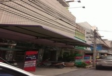 For Sale 8 Beds Shophouse in Mueang Suphanburi, Suphan Buri, Thailand