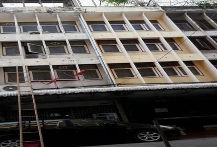For Sale 3 Beds Shophouse in Bangkok Noi, Bangkok, Thailand