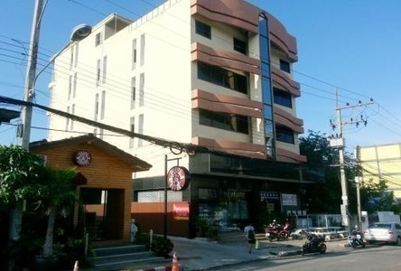 В аренду: Шопхаус с 20 спальнями в районе Mueang Khon Kaen, Khon Kaen, Таиланд