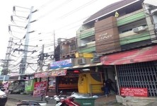 For Sale Shophouse 624 sqm in Mueang Nakhon Pathom, Nakhon Pathom, Thailand