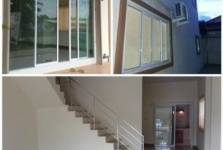 For Rent 2 Beds Shophouse in Mueang Udon Thani, Udon Thani, Thailand