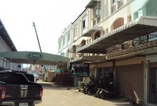 For Sale or Rent 4 Beds Shophouse in Sam Phran, Nakhon Pathom, Thailand