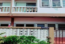 For Rent Apartment Complex 5 rooms in Bangkok Noi, Bangkok, Thailand