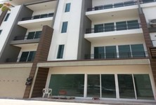For Sale or Rent 4 Beds Shophouse in Bueng Kum, Bangkok, Thailand