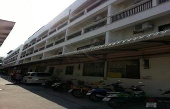 В том же районе - Mueang Chon Buri, Chonburi
