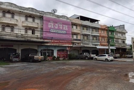 For Sale 4 Beds Shophouse in Mueang Udon Thani, Udon Thani, Thailand