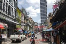 For Sale Shophouse 11 sqwa in Phra Khanong, Bangkok, Thailand