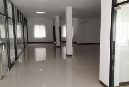 For Sale Shophouse 750 sqm in Bang Phli, Samut Prakan, Thailand