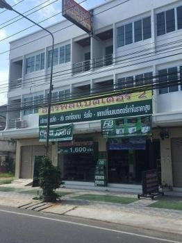 For Sale or Rent 6 Beds Shophouse in Mueang Chumphon, Chumphon, Thailand | Ref. TH-NYTLBRFV