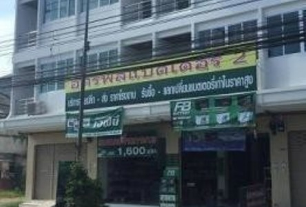 For Sale or Rent 6 Beds Shophouse in Mueang Chumphon, Chumphon, Thailand