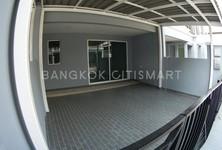 В аренду: Таунхаус с 3 спальнями в районе Pak Kret, Nonthaburi, Таиланд