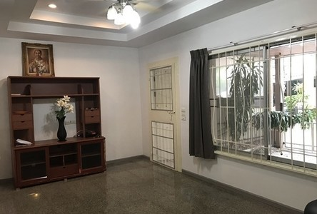 For Rent 3 Beds タウンハウス in Chatuchak, Bangkok, Thailand