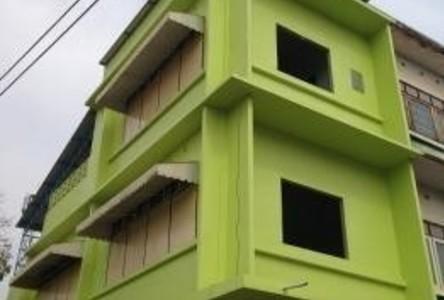 В аренду: Шопхаус с 3 спальнями в районе Mueang Chai Nat, Chainat, Таиланд