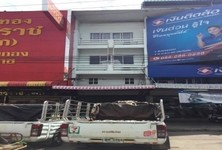 For Sale or Rent 5 Beds Shophouse in Khlong Luang, Pathum Thani, Thailand