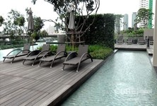 For Sale 3 Beds コンド in Khlong San, Bangkok, Thailand