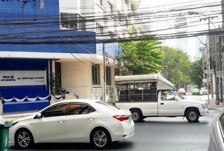 For Rent 3 Beds Shophouse in Bang Rak, Bangkok, Thailand
