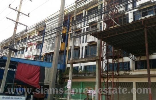 For Sale Shophouse 68 sqwa in Mueang Chachoengsao, Chachoengsao, Thailand | Ref. TH-XZKEUNNW