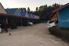 Продажа: Отель 17 комнат в районе Phanom Sarakham, Chachoengsao, Таиланд