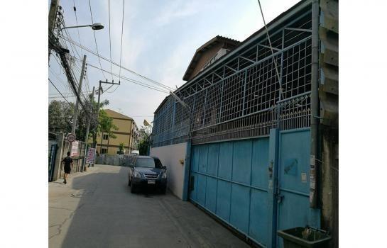 For Sale 4 Beds Shophouse in Yan Nawa, Bangkok, Thailand | Ref. TH-WRCFLBLZ