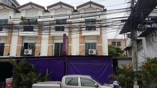 For Sale 3 Beds Shophouse in Bang Lamung, Chonburi, Thailand | Ref. TH-UWEYUXZA