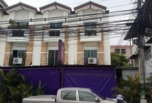 For Sale 3 Beds Shophouse in Bang Lamung, Chonburi, Thailand
