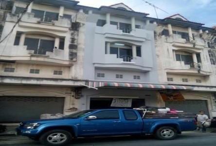 For Rent 3 Beds Shophouse in Lat Krabang, Bangkok, Thailand
