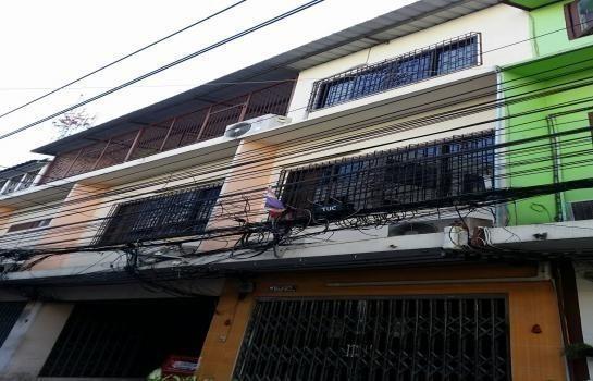For Sale 8 Beds Shophouse in Bang Rak, Bangkok, Thailand   Ref. TH-YPDYBMXM