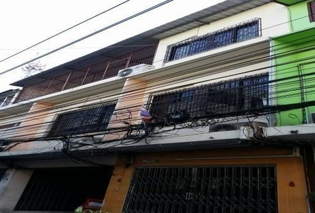 For Sale 8 Beds Shophouse in Bang Rak, Bangkok, Thailand