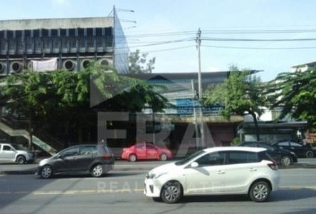 For Sale Shophouse 355 sqwa in Bang Kapi, Bangkok, Thailand