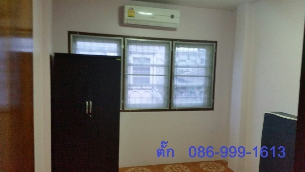 For Sale 3 Beds タウンハウス in Mueang Rayong, Rayong, Thailand | Ref. TH-ESKELLZK