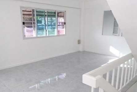 For Rent 3 Beds Shophouse in Suan Luang, Bangkok, Thailand
