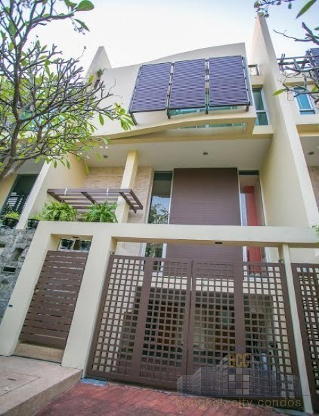 For Sale or Rent 4 Beds Townhouse in Yan Nawa, Bangkok, Thailand | Ref. TH-MCOGJSVW