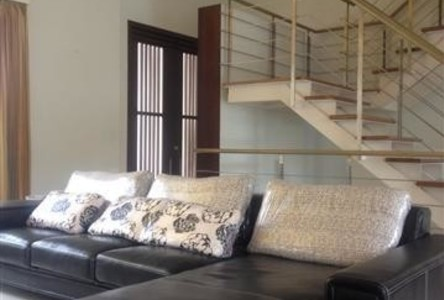 For Rent 3 Beds Condo in Sathon, Bangkok, Thailand