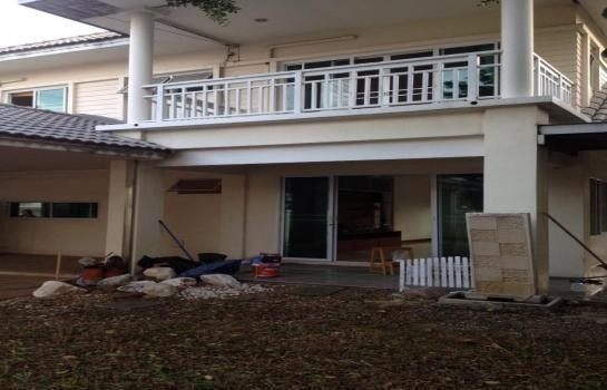 For Sale 5 Beds 一戸建て in Pathum Thani, Central, Thailand | Ref. TH-BRVORQIT