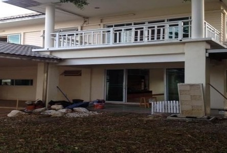 For Sale 5 Beds House in Pathum Thani, Central, Thailand