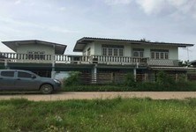 For Sale 8 Beds House in Bang Nam Priao, Chachoengsao, Thailand
