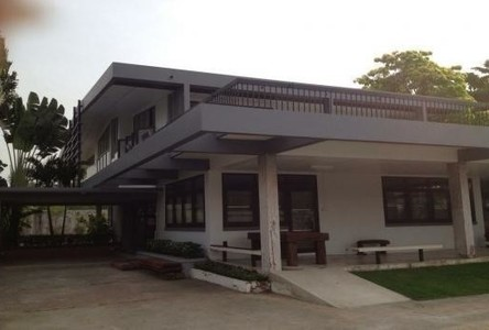 For Rent 4 Beds House in Mueang Samut Prakan, Samut Prakan, Thailand