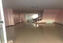 ขาย ทาวน์เฮ้าส์ 4 ห้องนอน บางขุนเทียน กรุงเทพฯ