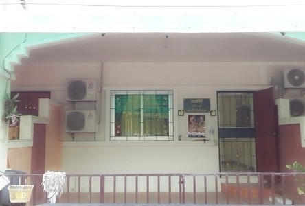 For Sale 2 Beds タウンハウス in Mueang Phitsanulok, Phitsanulok, Thailand