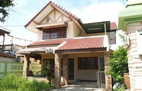 For Sale 3 Beds House in Mueang Nakhon Pathom, Nakhon Pathom, Thailand | Ref. TH-STDTMMZZ