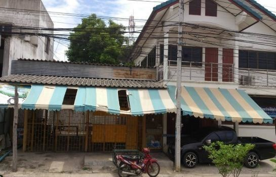 For Sale or Rent 5 Beds 一戸建て in Mueang Suphanburi, Suphan Buri, Thailand | Ref. TH-PNZOIYRL