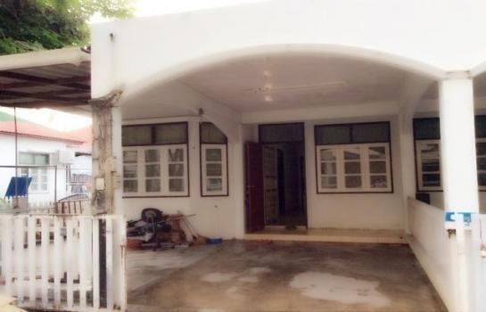 For Sale 2 Beds タウンハウス in Mueang Phitsanulok, Phitsanulok, Thailand   Ref. TH-FHTOSEWB