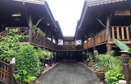For Sale 4 Beds House in Nong Ki, Buriram, Thailand | Ref. TH-DYLJJFVQ