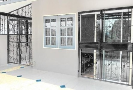 For Rent 3 Beds Townhouse in Lak Si, Bangkok, Thailand