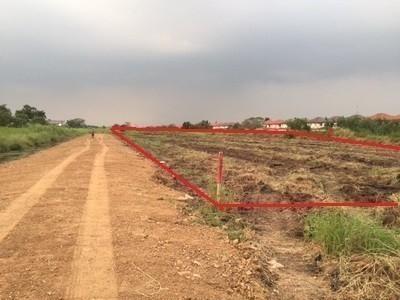 ขาย ที่ดิน 4 ไร่ ธัญบุรี ปทุมธานี   Ref. TH-LBDNAKKL