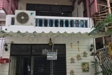 For Sale 2 Beds Townhouse in Bang Kapi, Bangkok, Thailand